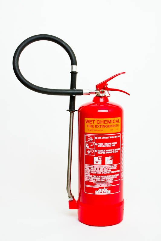 how to use wet chem extinguisher